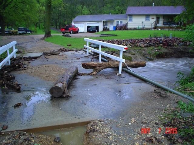slideshow-emergencymanagement-weather-flood_may_7th_2005_004