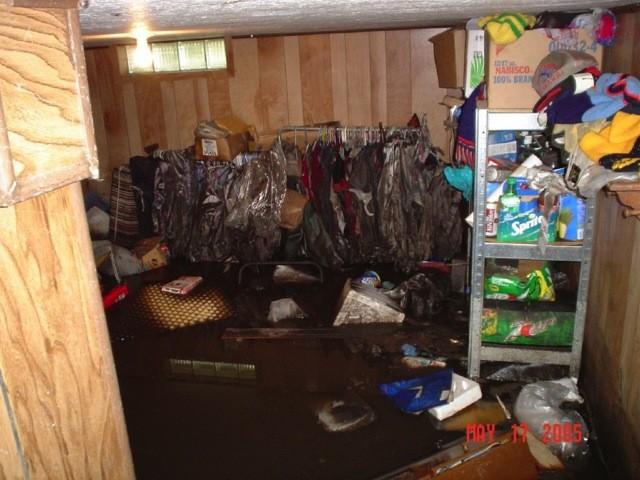 slideshow-emergencymanagement-weather-flood_may_7th_2005_014