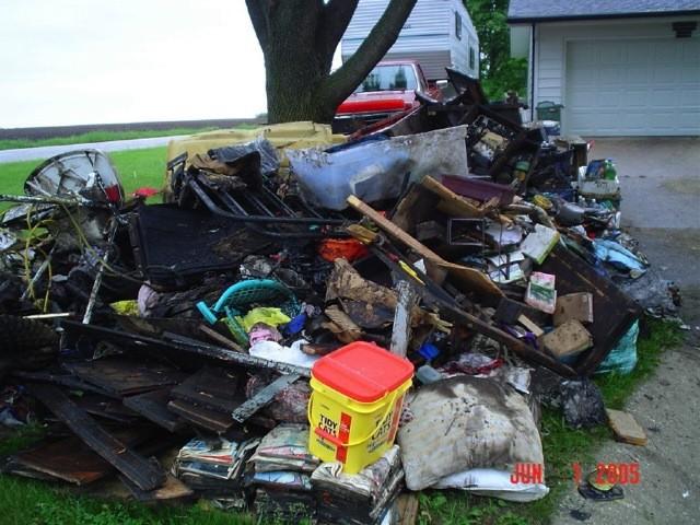 slideshow-emergencymanagement-weather-flood_may_7th_2005_020
